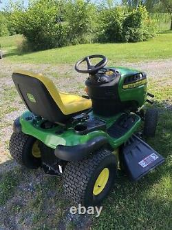 2019 John Deere E130 Lawn Mower Tractor Briggs 22HP Twin Engine Only 16 Hours