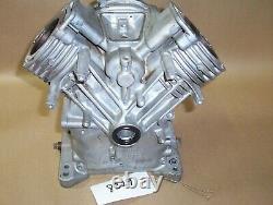 Briggs Stratton 303447 16HP Vanguard Twin CYLINDER Engine Cylinder Block 807521