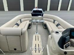 Twin Engine Avalon Tritoon Low hrs. 27 Avalon with 3 x 27 pontoons ext warranty